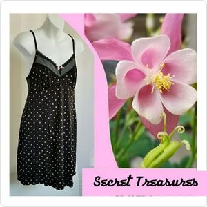 Secret Treasures Intimates & Sleepwear - Secret Treasures Shortie.                     222